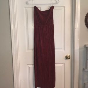 Red sleeveless dress.